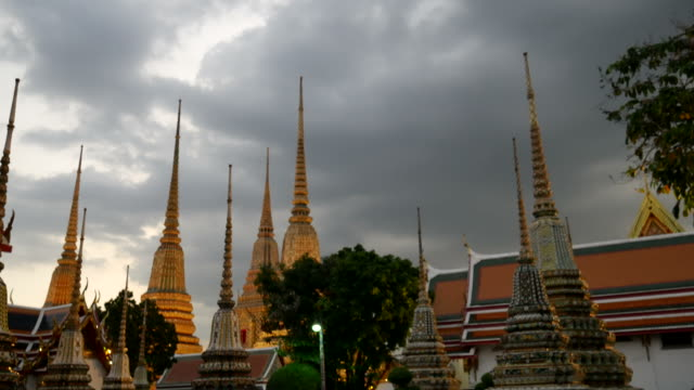 Temple of the Reclining Buddha (Wat Pho), Bangkok video