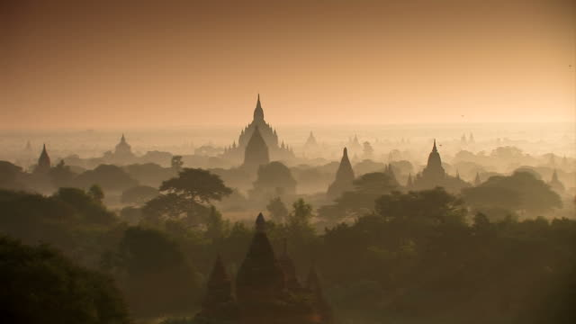 templi-bagan_schwenk - tempio video stock e b–roll