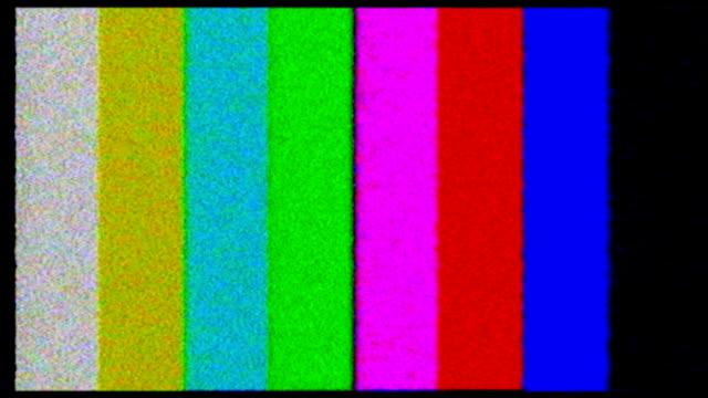 vidéos et rushes de test téléviseur. avec des barres de couleur crash - image teintée