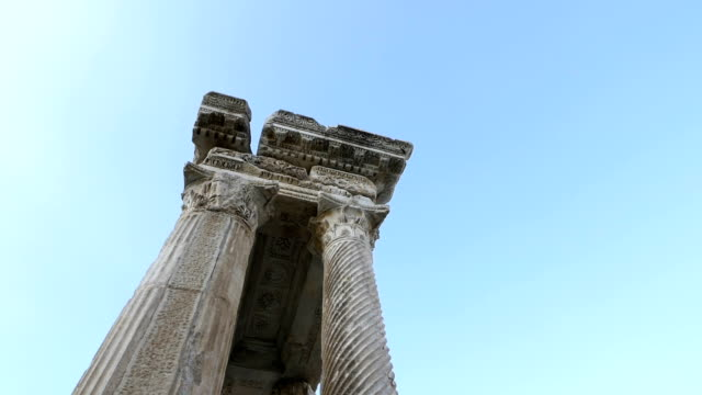 tetrapylon of aphrodisias antique city - mitologia video stock e b–roll