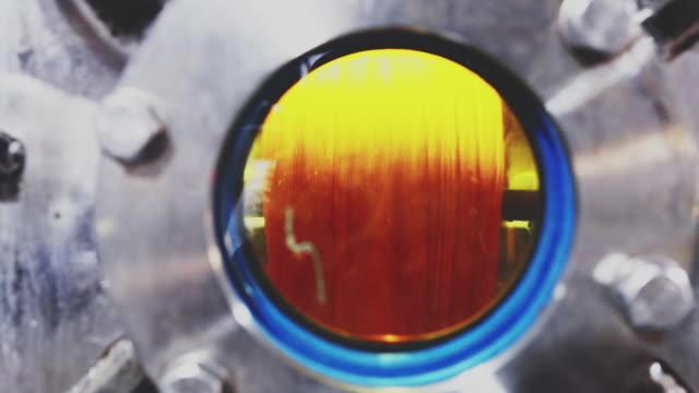 vídeos de stock e filmes b-roll de textile dyeing factory in operation - india - matéria corante
