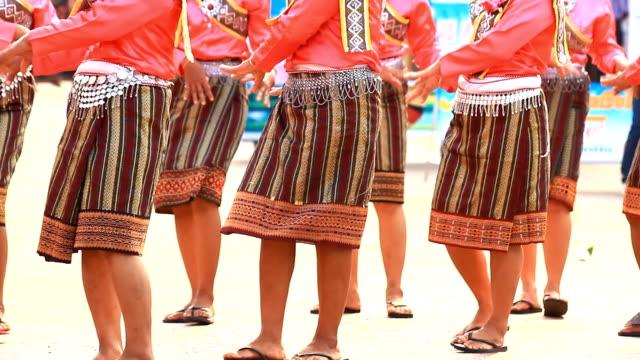 Thai dancers video