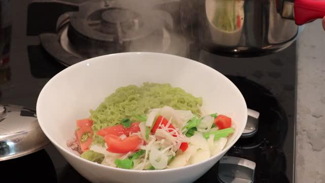 Thai Salad video