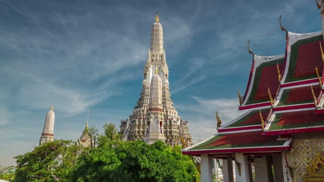 thailand bangkok famous wat arun temple bangkok sunny sky 4k time lapse video