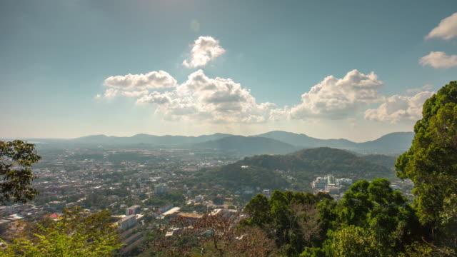 タイ日太陽プーケット町猿丘視点パノラマ 4 k の時間経過 - デッキ点の映像素材/bロール