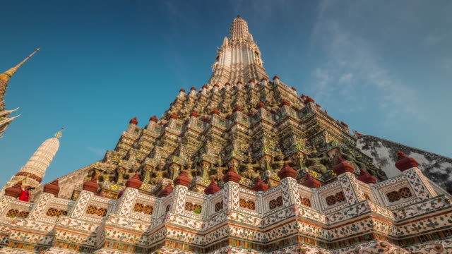 thailand sunset wat arun famous bangkok temple decoration 4k time lapse video