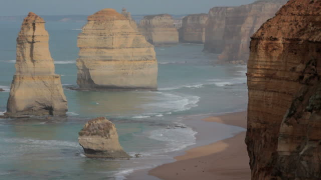 die 12 apostel great ocean road hd - sound wave stock-videos und b-roll-filmmaterial
