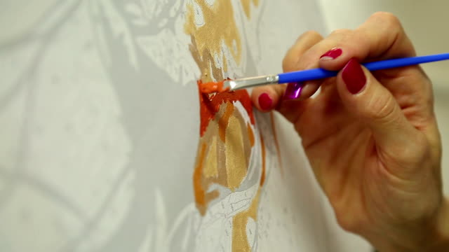 художник рисует картину - white background стоковые видео и кадры b-roll
