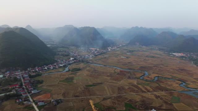das bac son valley von vietnam - indochina stock-videos und b-roll-filmmaterial