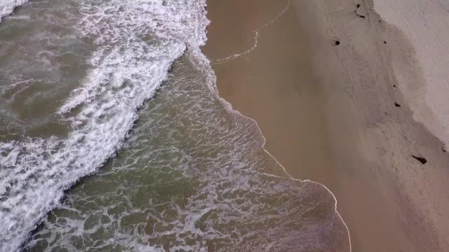 пляж сверху - побережье мексиканского залива сша стоковые видео и кадры b-roll