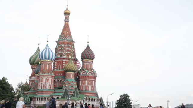 den vackra arkitekturen i moskva - vasilijkatedralen bildbanksvideor och videomaterial från bakom kulisserna