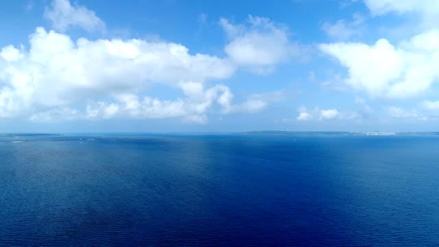 vídeos de stock e filmes b-roll de the beautiful seascape at okinawa in japan - oceano pacífico