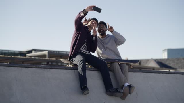 vidéos et rushes de les meilleurs souvenirs viennent des idées les plus folles - photophone