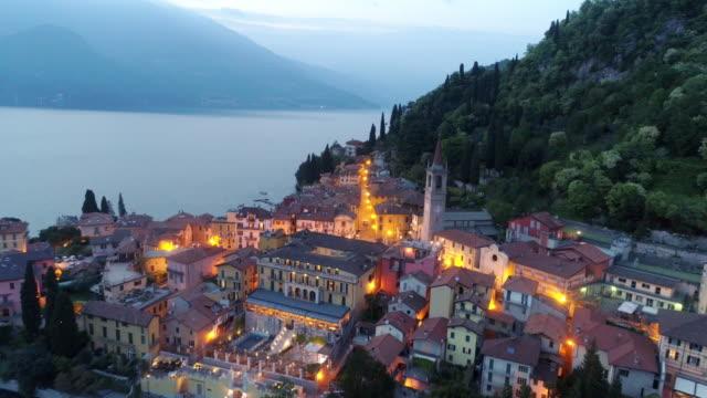 the city of bellagio in twilight. - lombardia video stock e b–roll