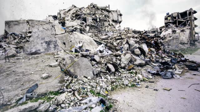 vídeos de stock, filmes e b-roll de a cidade de homs, síria - conflito
