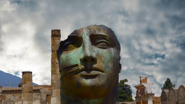 vidéos et rushes de la ville de pompéi, détruite en 79 av. j.-c. l'éruption du vésuve - démocratie