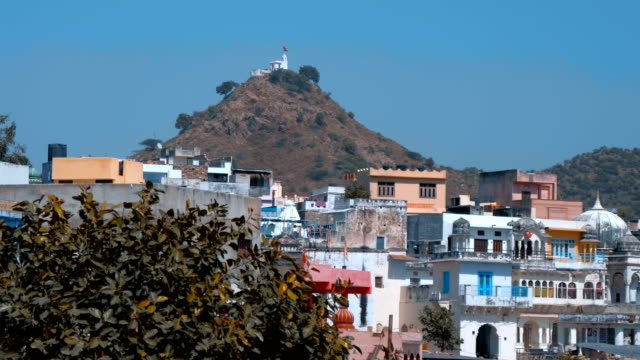 the city of pushkar, india, is one of the sacred pilgrimage sites in hinduism - ghat filmów i materiałów b-roll