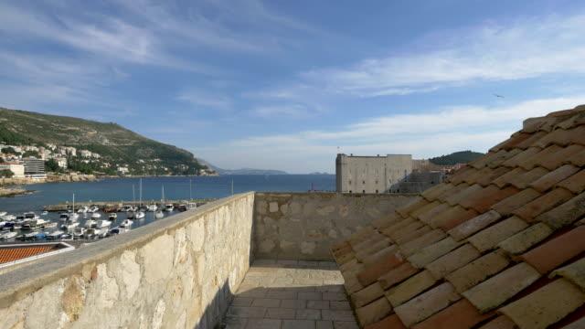 城壁と旧港 - 石垣点の映像素材/bロール