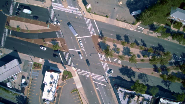 The crossroad at the Hillside Avenue and Spriengvild Bulevard. Directly above view. Aerial footage of the Queens Village residential area, New York City, USA. video