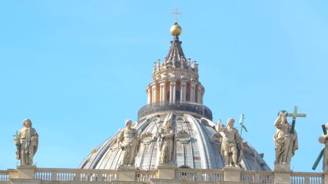 saint peter bazilikası vatikan i̇talya kubbe - vatikan şehir devleti stok videoları ve detay görüntü çekimi