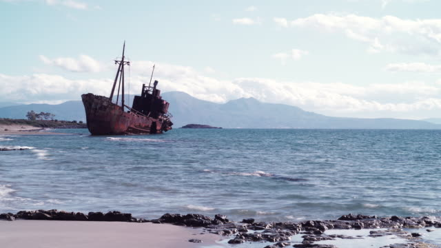 the famous shipwreck near gythio greece - мани стоковые видео и кадры b-roll