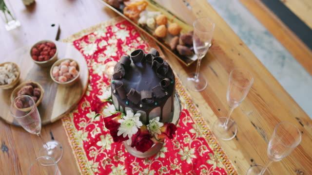 vidéos et rushes de le premier goût du mariage - dessert