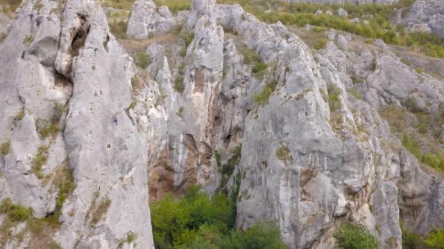 vídeos y material grabado en eventos de stock de la gran subida - escalada en rocas