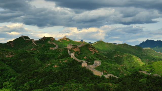 The great wall of China in the sunny day, Time lapse, Zoom in video