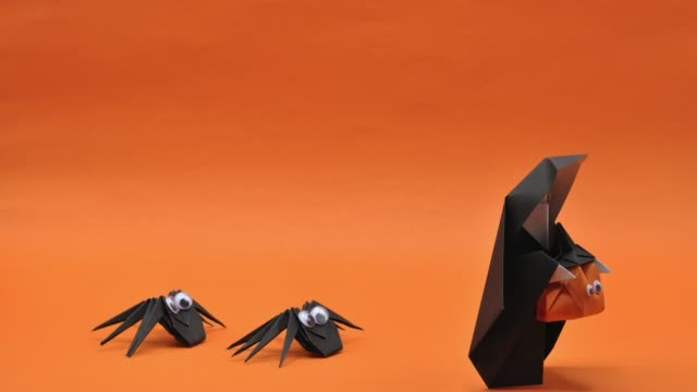 The Halloween Footage Of Origami That The Nun Holding Pumpkin Head
