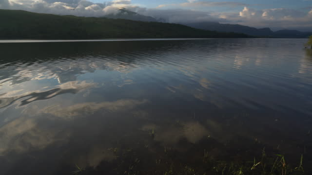 the incredibly relaxing coniston water in the english lake district a truly magical place - спокойная вода стоковые видео и кадры b-roll