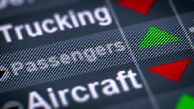 the index of passengers on the screen. - intercity filmów i materiałów b-roll