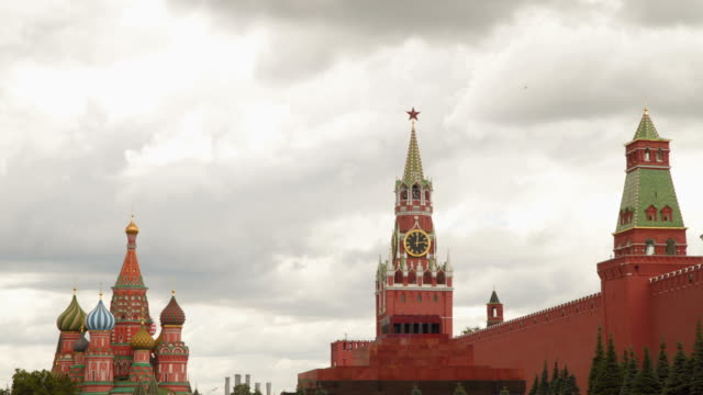 The Kremlin wall is a mausoleum and the temple of the Basil of the Blessed video