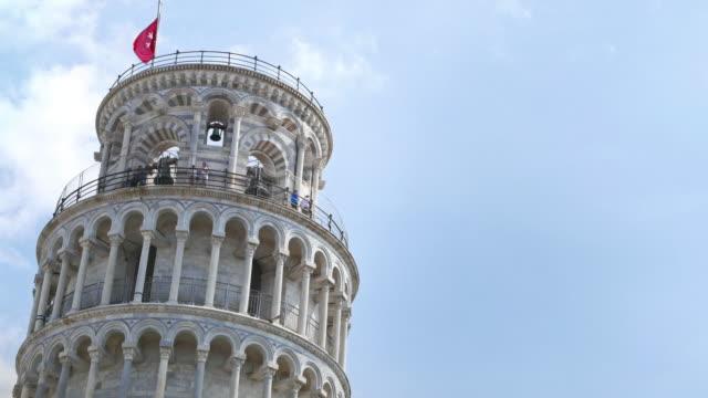 the leaning tower of pisa in campo dei miracoli - pisa kulesi stok videoları ve detay görüntü çekimi
