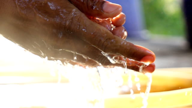 The man washing hands,Slow motion video