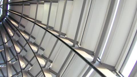 stockvideo's en b-roll-footage met de metalen koepel van het gebouw - modern