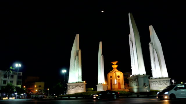 the moon above the Democracy Monument in Bangkok video
