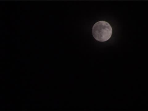 der moon  - weltraum und astronomie stock-videos und b-roll-filmmaterial