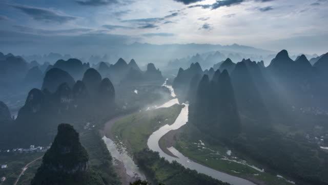 die schönsten landschaften in china, guilin landschaft - guilin stock-videos und b-roll-filmmaterial