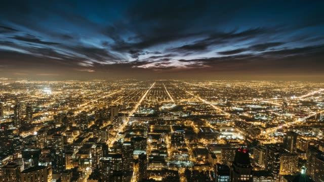 t/l the night traffic of chicago - american architecture stock videos & royalty-free footage