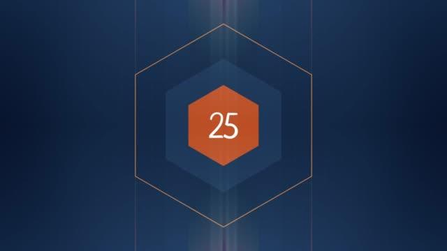 die zahl 25 erscheint und hat glüh- und lichtstreifen. numbers animation mit alpha channel - zahl 25 stock-videos und b-roll-filmmaterial