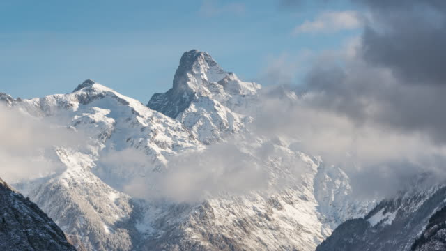The Olan peak covered in fresh snow. Time-lapse. Valgaudemar Valley, Ecrins National Park, Alps, France - vídeo