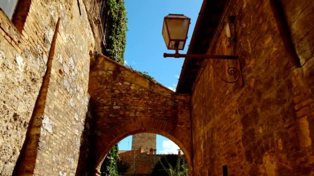 san gimignano eski kenti, toskana, i̇talya - toskana stok videoları ve detay görüntü çekimi