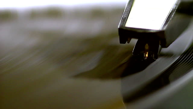 the old vinyl spinning - disco audio analogico video stock e b–roll