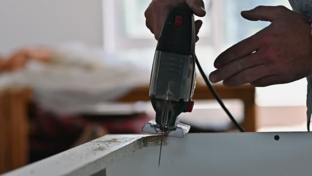 The perfect tool for those hard to cut corners