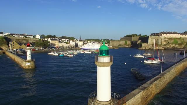 vidéos et rushes de le port du palais, situé sur l'île de belle-ile-en-mer - bretagne