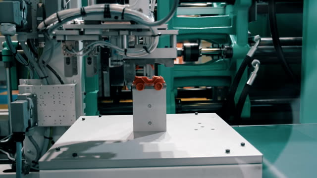 The process of extrusion equipment operation - the movement of different parts video