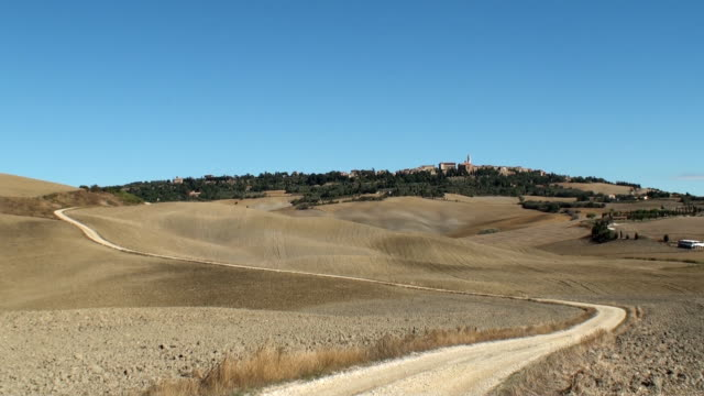 The road to Pienza video