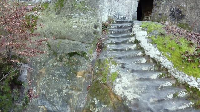 vagga kloster i skogen - stenhus bildbanksvideor och videomaterial från bakom kulisserna
