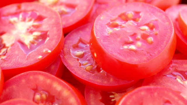 The rotating tomato slices video