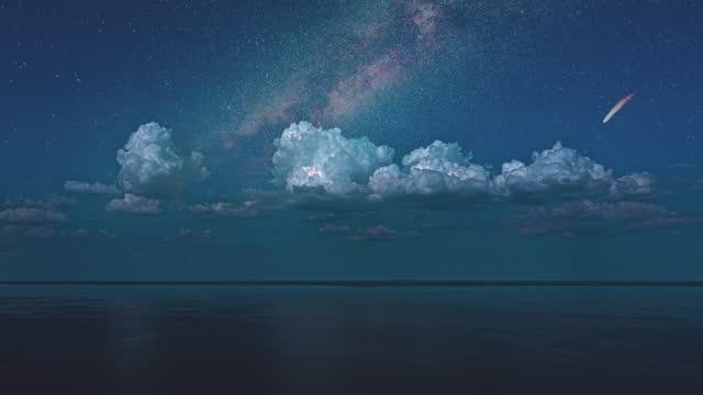 sceneria gwiaździste niebo z spadającą kometą na horyzoncie. hiper upływ - część ciała zwierzęcia filmów i materiałów b-roll
